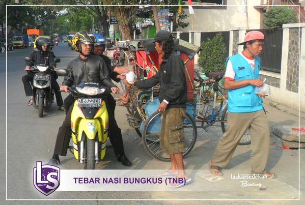 Tebar Nasi Bungkus LS Bandung