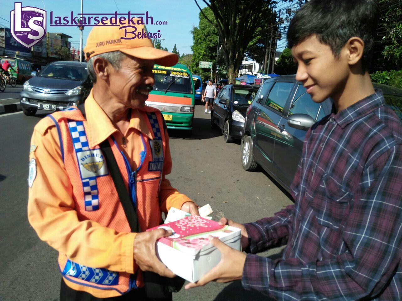 Tebar Nasi Bungkus LS Bekasi goes to Bandung