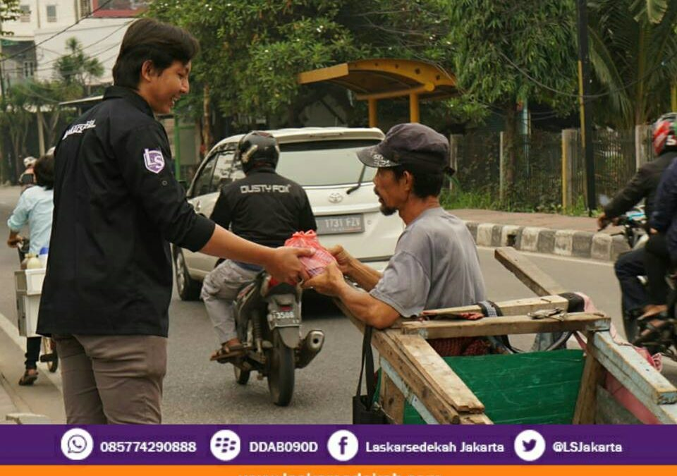 LS Jakarta : Tebar Nasi Bungkus (TNB) | Ahad, 09 Desember 2018