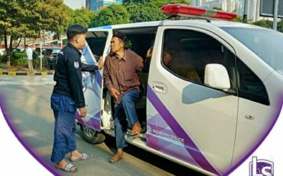 LS Jakarta : Ambulance Gratis kepada Pak Siman (56th) dan Mbah Waryu (80th) di Jakarta Barat | Kamis, 01 Agustus 2019