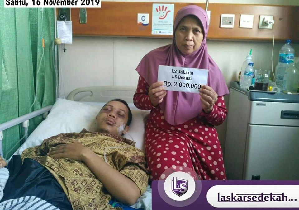 LS Jakarta : Eksekusi Sedekah kepada Ka Faisal) yang mengalami kecelakaan tabrak lari harus dilarikan ke RSCM Jakarta | Sabtu, 16 November 2019