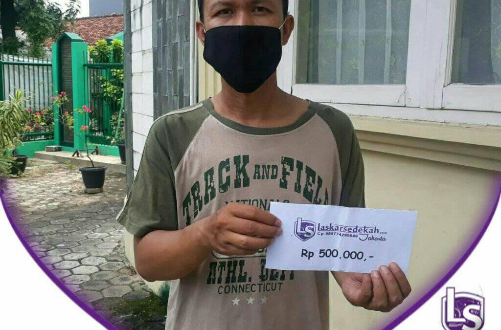 LS Jakarta : Eksekusi Sedekah – Santunan Dhuafa kepada Pak Sofyan di Meruya, Jakarta Barat.